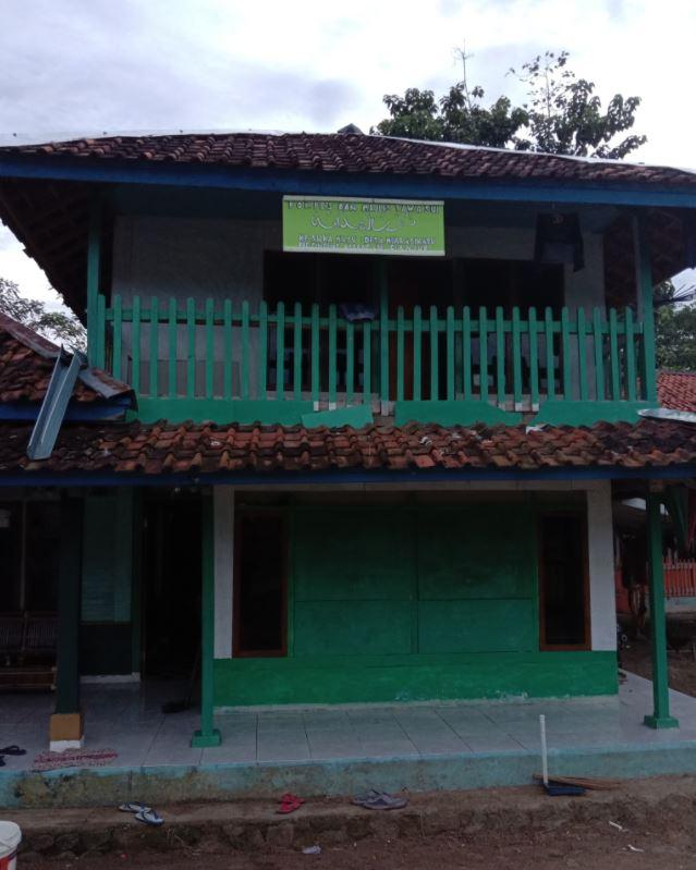 Wakaf Air Pesantren Untuk Warga, Sekolah & Tempat Ibadah Kp. Sukamaju, Kel. Muaracikadu Cianjur