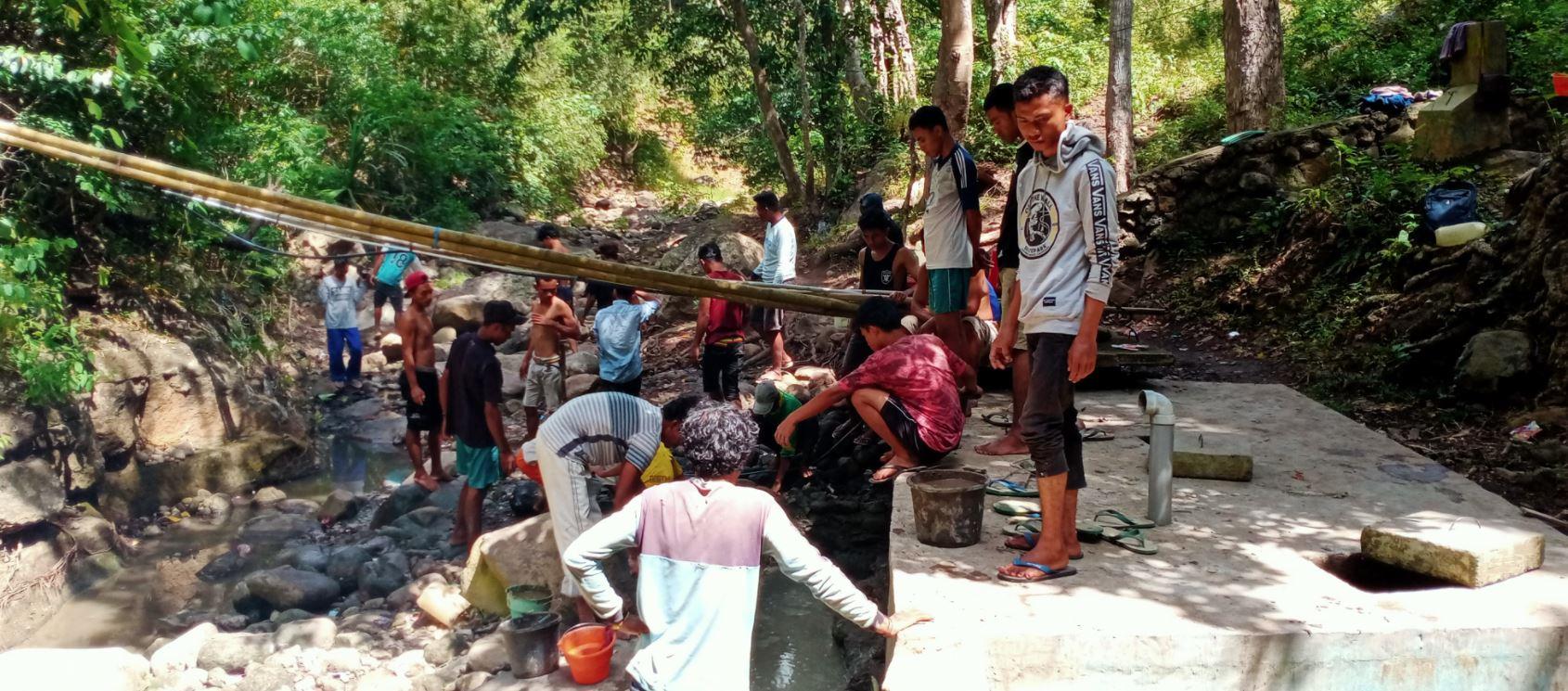 Wakaf Air Pesantren Untuk Warga Wae Tulu Desa Kel. Tangge Manggarai Barat, NTT