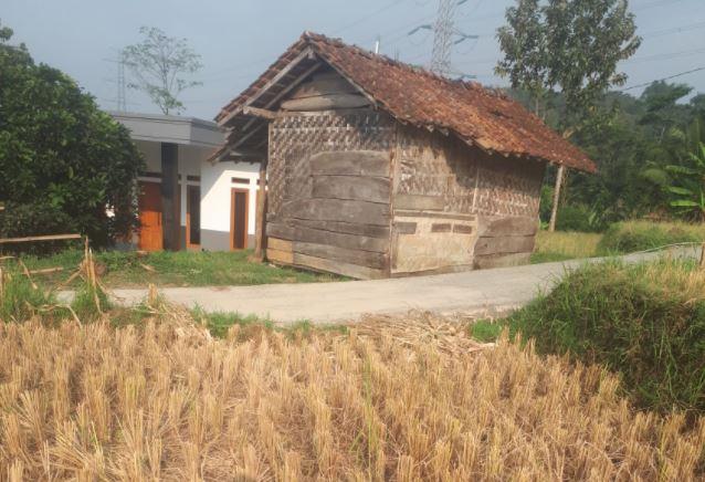 Wakaf Air Untuk Warga Kp. Sayang, Desa Cicangkang Girang, Kec. Sindangkerta, Bandung Barat