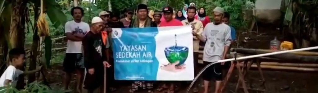 Wakaf Sumur Untuk Warga Kampung Babakan Kiarabuah Sukawening Garut